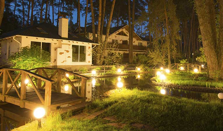 Sample of low voltage landscape lighting contractor services
